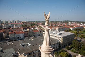 Potsdam  Deutschland  Engel der evangelischen St. Nikolaikirche und Stadt- und Landesbibliothek Potsdam