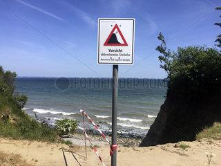Warnung Absturzgefahr  Ostsee Luebecker Bucht