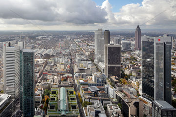 Frankfurt/Main  Deutschland  Panorama vom Bankenviertel mit dem Hauptbahnhof