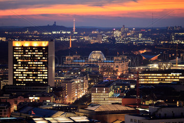 Berlin  Deutschland  Blick vom Alexanderplatz Richtung Westen
