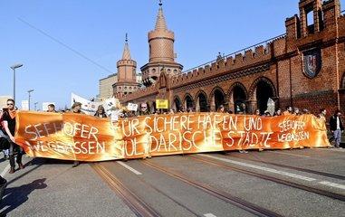 Seehofer Wegbassen Fuer sichere Haefen und solidarische Staedte! - Demonstration