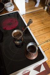 Kaffekanne auf Herdplatte