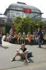 Schulklasse im Palmengarten