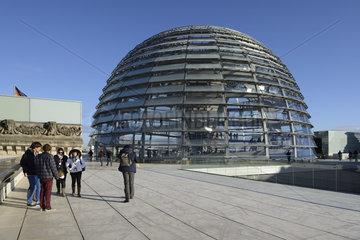 Reichstagskuppel und Dachterasse  Reichstag Berlin  Architekt Si