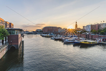 Germany  Hamburg  inland harbour with St. Michaelis Church in background