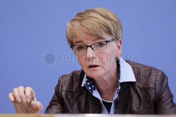 Bundespressekonferenz zum Thema: Ja: Wir sind Europaeerinnen und Europaeer - Vorschlaege fuer ein Europa der sozialen Gerechtigkeit und der gleichwertigen Lebensverhaeltnisse