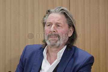 Pressekonferenz: Buchvorstellung  Europa Verlag / Jens Hovsgaard: - Nord Stream und Europas Zukunft: Gier  Gas und Geld