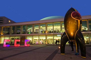 Rakete Fairydust vor Berliner Congress Center