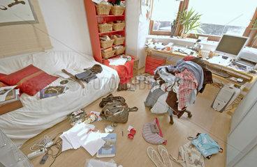 Pubertaets-Chaos im Maedchenzimmer