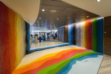 Kiel  Deutschland  Kunstinstallation auf der Mein Schiff 4