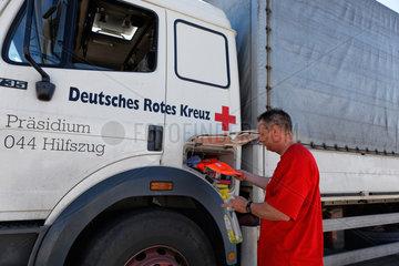 Schoenefeld  Deutschland  DRK Konvoi Ukraine-Hilfe