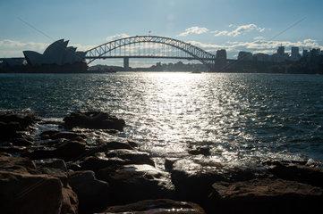 Sydney  Australien  Opernhaus Sydney und Harbour Bridge
