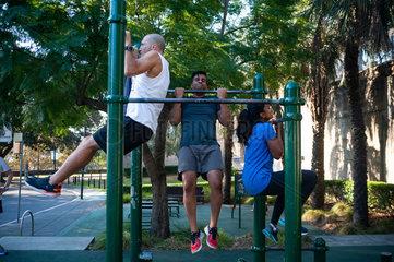 Sydney  Australien  Training im Observatory Hill Outdoor Gym