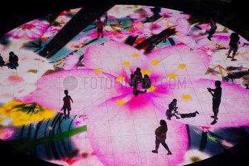 Republik Singapur  Interaktive Lichtinstallation im Marina Bay Sands Resort
