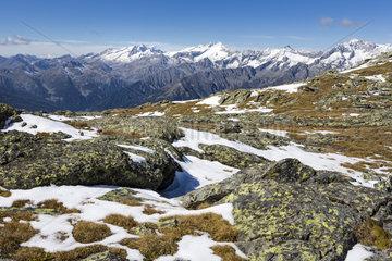 Zillertaler Alpen  Suedostansicht