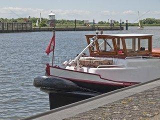 Boot im Glueckstaedter Aussenhafen  Schleswig Holstein  Deutschland