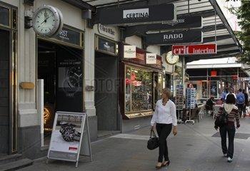 Geschaeftsstrasse Rue Mont Blanc mit Laeden fuer Schweizer Uhren in der Innenstadt von Genf  Schweiz