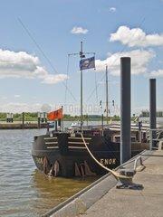 Frachtschiff im Glueckstaedter Aussenhafen  Schleswig Holstein  Deutschland