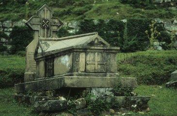 Altes englisches Grab in Dharmshala  Indien