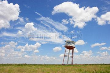 Groom  USA  der schiefe Wasserturm mit Aufschrift Britten USA