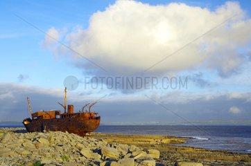 Schiffswrack auf den Aran Inseln