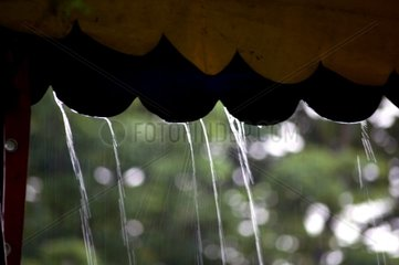 Regen Unwetter Zelt tropft