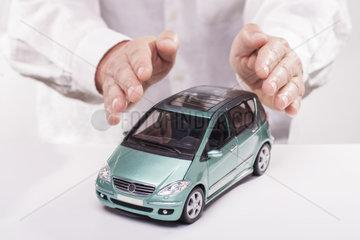 Symbolfoto Autoversicherung