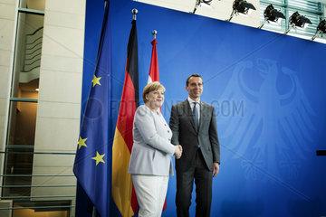 Merkel meets Austrias Christian Kern