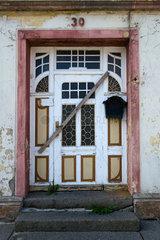 Tribsees  Deutschland  ein leerstehendes Haus