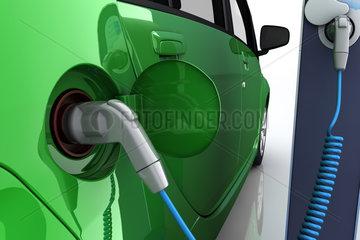 Elektroauto an Ladestation einer Tankstelle