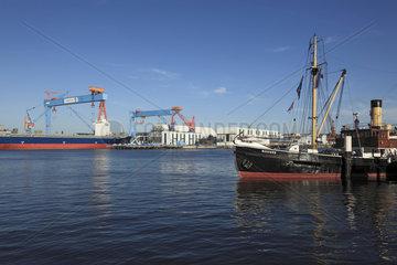 Kieler Hafen mit HDW-Werft ThyssenKrupp  Kiel  Kieler Foerde  Ostsee  Schleswig-Holstein