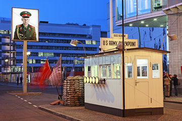 Wachhaus am Checkpoint Charlie  Berlin