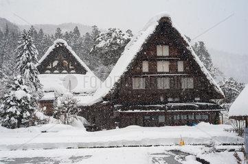 Shirakawa-go  Japan  Traditionelle Gassho-zukuri Bauernhaeuser