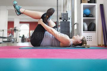 Schwangere Frau beim Sport