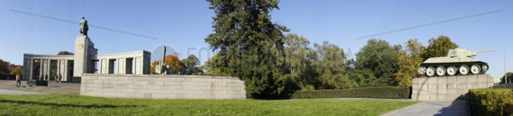 Deutschland  Berlin  Das Russische Ehrenmal im Berliner Tiergarten