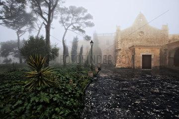 Franziskanerkloster Santuari de Nostra Senyora de Cura auf der Spitze des Puig de Randa  Mallorca  Spanien