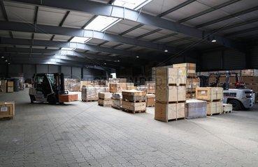 Xinhua Headlines: China's trade growth weathers U.S. tariff headwinds