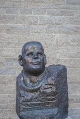 Statue von Dietrich Bonhoeffer  Schwaebisch Hall