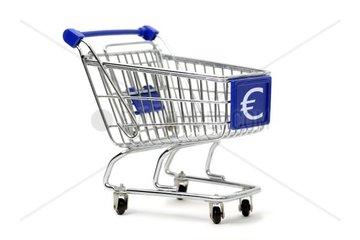 Einkaufswagen mit Euro-Zeichen  Konsum