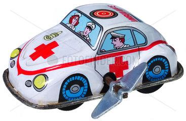 Ambulanz im Einsatz  altes Spielzeugauto