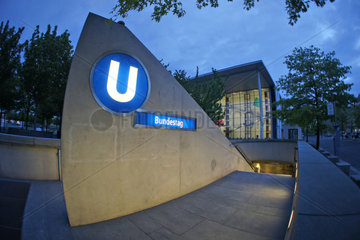Berlin  U-Bahn Haltestelle Bundestag