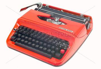 Reiseschreibmaschine  um 1975