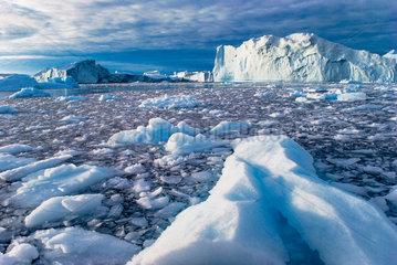 Eisberge in der Disco-Bucht  Groenland