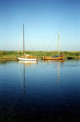 2 Boote auf dem Bodden