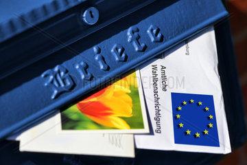 Amtliche Wahlbenachrichtigung fuer die Europawahl im Briefkasten