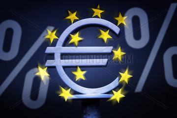 EZB-Eurozeichen und Prozentzeichen  Leitzinssenkung