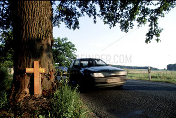 Tod im Strassenverkehr  Erinnerung an Verkehrsopfer