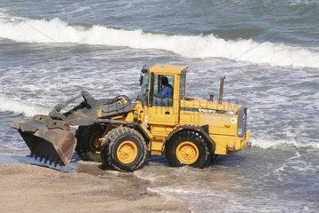Bauarbeiten am Strand