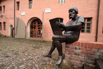 D-Sachsen-Anhalt:Lutherstadt Wittenberg  Skulptur von Lucas Cranach  Cranachhaus