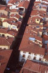 Italien  Florenz  Wohnhaeuser von oben